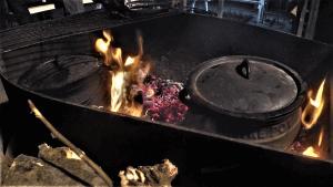 סיר פויקה על האש